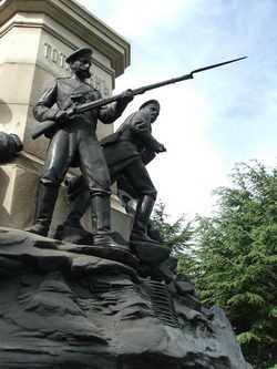 памятник графу Тотлебену в Севастополе