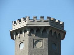 Башня здания в Ясной Поляне * архитектура * цифровая фотография